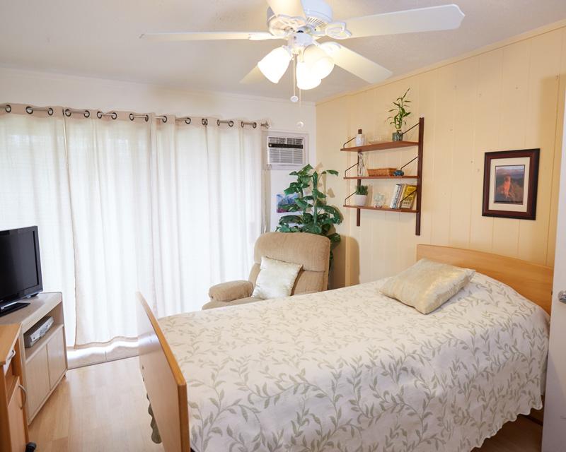 Navian Hospice Hawaii Kailua Home bedroom