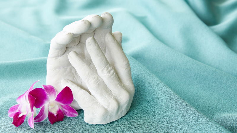 Navian Hospice Hawaii complementary therapy handcasting