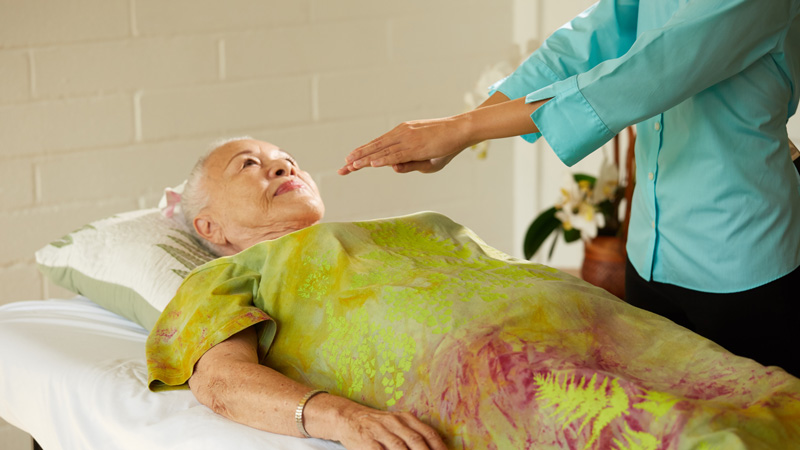 Navian Hospice Hawaii complementary therapy reiki